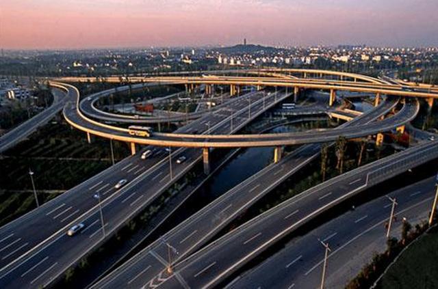 最新!中国机动车保有量达3.3亿辆,居世界第一