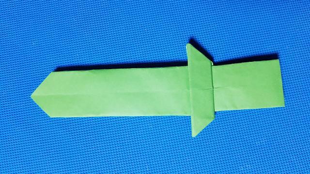 折纸王子教你折纸宝剑 只需一张正方形纸 讲解详细 简单易学 给孩子做玩具
