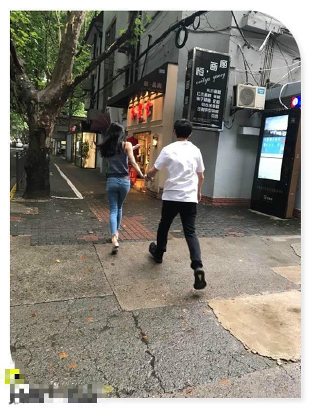 王思聪豆得儿近日高调频繁,过生日逛街秀恩爱