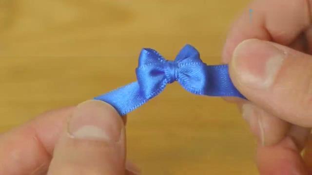 学会一种折法,就能折出2款不同的蝴蝶结,步骤超简单!