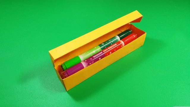 假期学折纸,分分钟教你折一个文具盒,非常实用的折纸教程