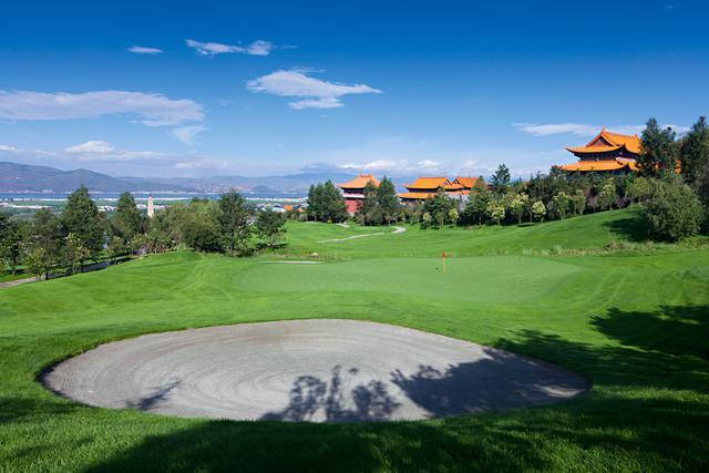 一间出色的高尔夫度假酒店,不是只有一个高尔夫球场就够了