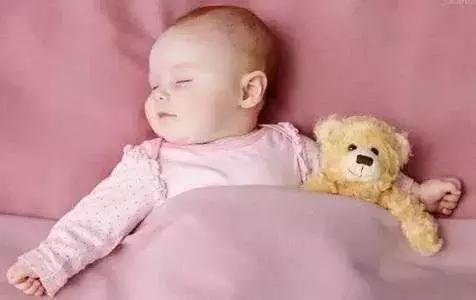 宝宝睡姿学问大!聪明和颜值原来都是睡出来的!