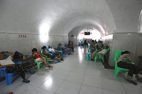重庆防空洞,从地铁隧道雏形到生活必需,但最不能忘的是这段历史