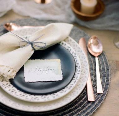 时尚的婚礼席位卡图片分享 韩式婚礼席位卡怎么写