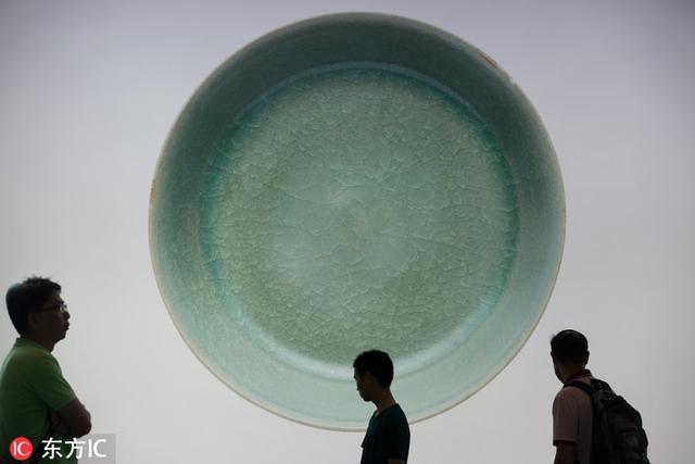 北宋汝窑天青釉洗拍出2.6亿天价