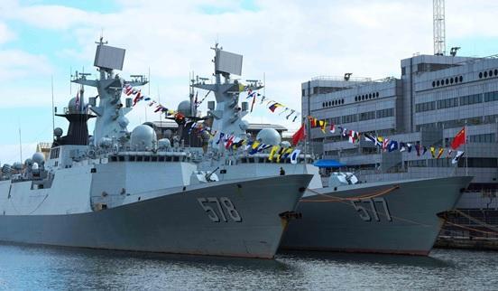 英媒关注中国军舰首访伦敦 增进两军信任