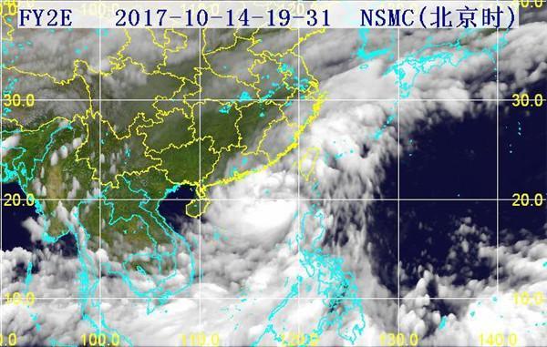台风登陆卫星云图