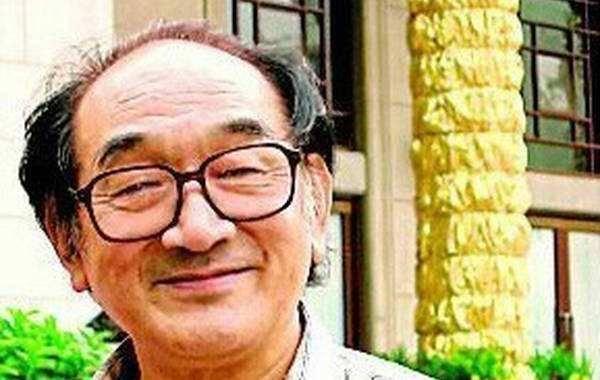 艺术家严顺开去世:他是东方卓别林 中国唯一金拐杖得主