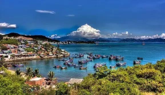 越南芽庄美女风景图片