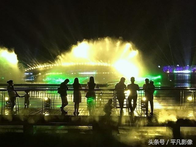 韩城市南湖公园开园--《韩城年鉴》2018年