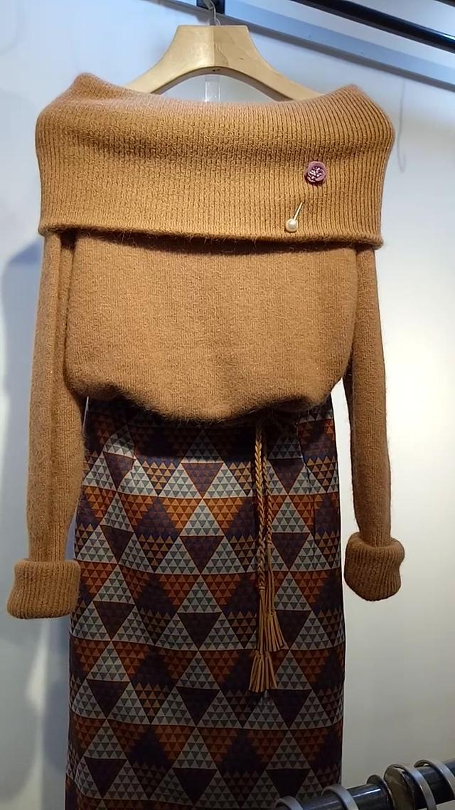 织一件红色大翻领毛衣,陪你的宝贝温暖过冬吧,粗... -bilibili
