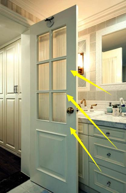 卫生间门也可以成为家里的亮点,后悔早没看见!