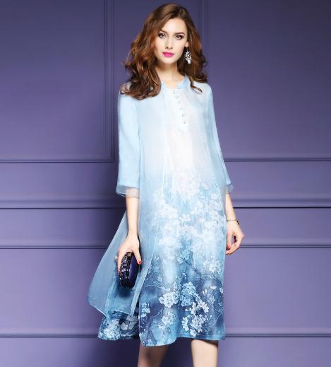 北京小姨穿着这样好看的连衣裙,我差点没认出来,感觉气质大变
