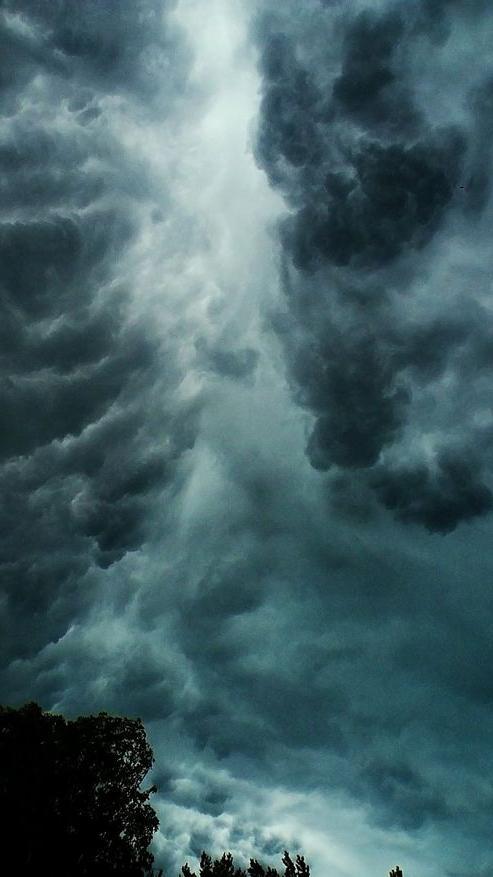 海南琼海:风雨过后霞光美