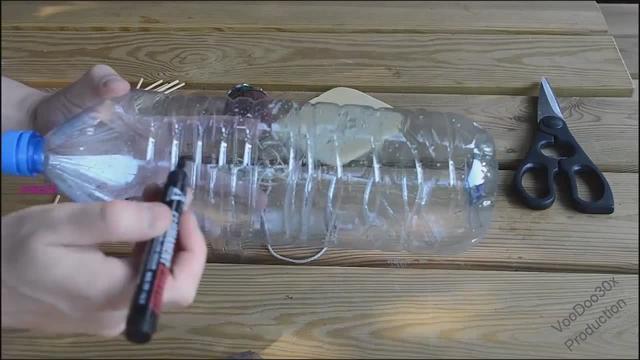 教你怎样用个矿泉水瓶子做个捕鼠器,1分钟视频包教包会