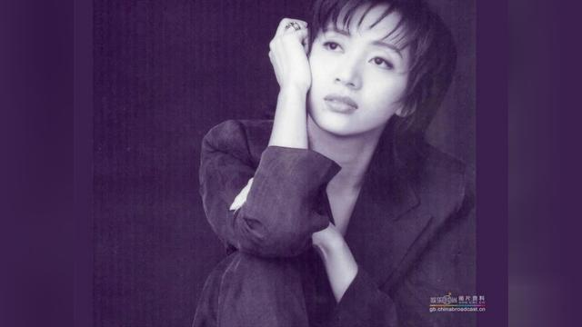 音乐-梅艳芳《女儿红》,我认为是她最好听的国语歌,没有之一!