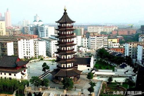 江西南昌的地标性建筑:双子塔高303米,一项纪录超过... _腾讯网