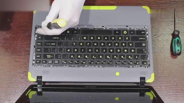 笔记本主板坏了,这样做可以少被坑几百块,专业的拆机教程