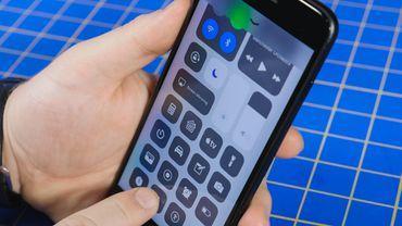 iOS11.4又出问题,iPhone电池耗电太快!_东方头条