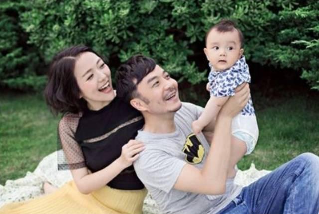汪涵和杨乐乐在萌娃综艺上偷偷撒了糖,他们的爱情一直就很甜啊