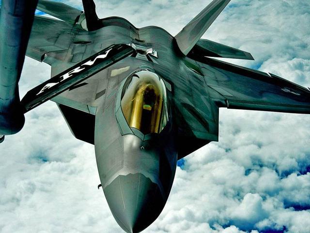 美国隐身飞机仍然处于世界第一,F-22和B-2超强战力难震撼