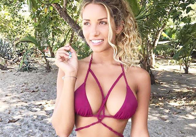 美国健身女星海滩度假