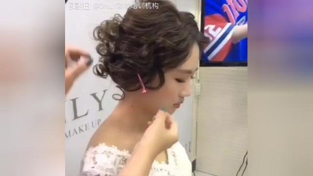 鲜花发型新娘旗袍