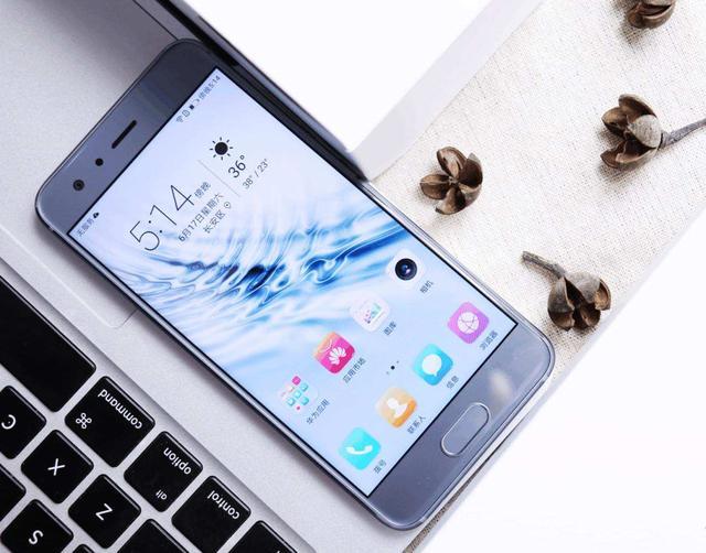 目前最受欢迎的几款手机,最后一台除了贵没啥缺点