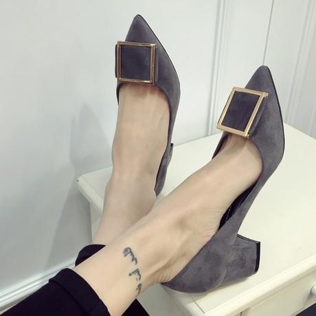 高品质中跟女单鞋,35-40码,跟高6厘米,时尚金属扣搭超纤皮面料