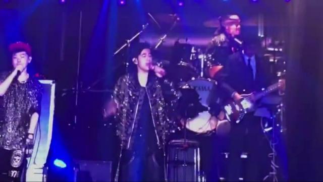 周杰伦2004演唱会图片