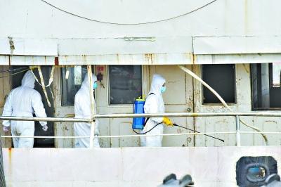 长江沉船最小3岁女童尸体被搜,手里仍捏一袋饼干_凯迪