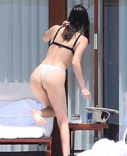 意大利女星海滩度假