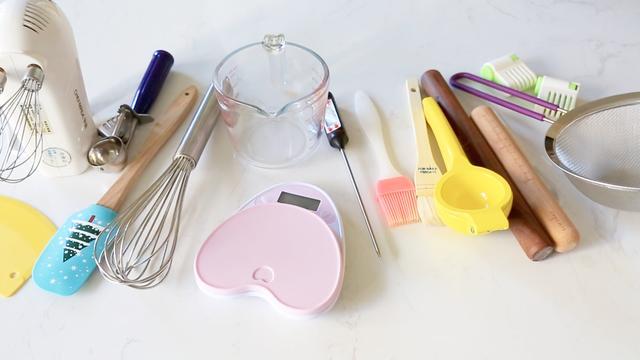 想自己在家學做蛋糕和面包,你需要準備這些工具!