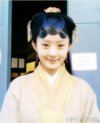 新《红楼梦》演贾宝玉两演员:一个靠姐弟恋扯眼,一个锤炼演技