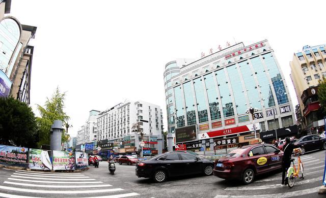 桂林将兴建多座人行天桥 解决道路拥堵