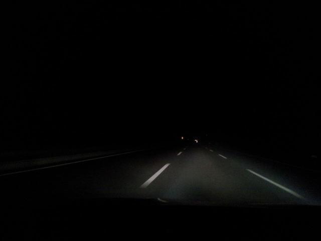 老司机走夜路,碰到诡异事,他是如何躲过一劫的?
