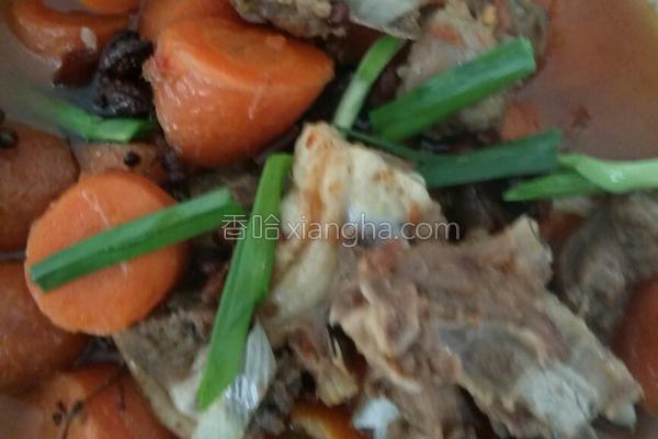 胡萝卜烧羊肉,滋补美味的一道家常菜,普通中却透露着不平凡