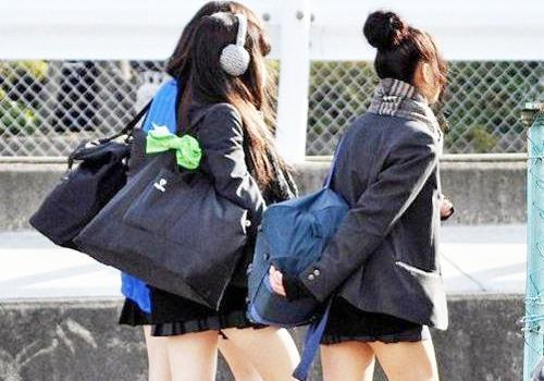 韩国校服女生图片