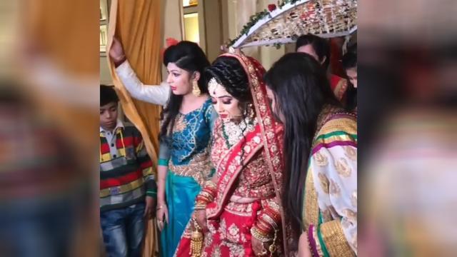 印度婚礼现场,这场面也太奢华了吧,惊艳到我了,羡慕啊!