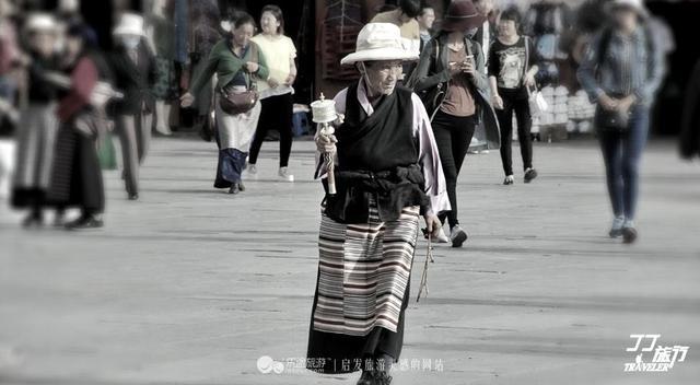 西藏拉萨图片雪山