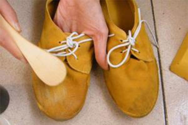 磨砂牛皮鞋怎么清洗-骆驼官网