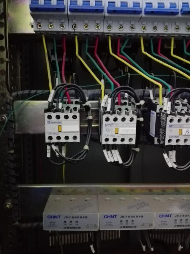 接触式互锁的接线分析,总结一下以备不时之需