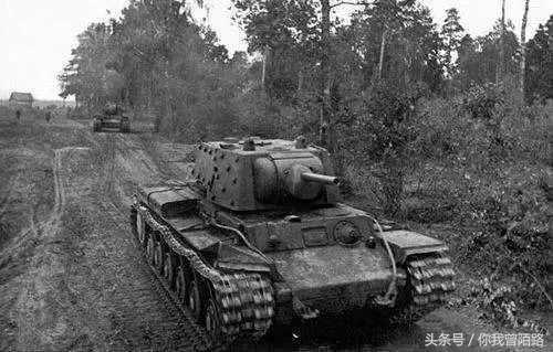 他在授元帅衔前夕牺牲,斯大林令124门礼炮鸣放24响为其致哀