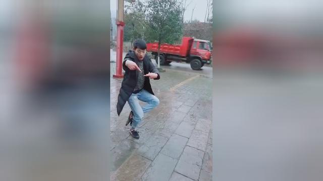 民间螳螂拳高手,指点实战技法!