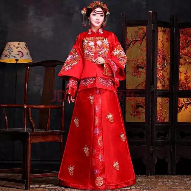 婚礼当天必备的3套礼服,刘诗诗也不例外,这才是一场体面的婚礼
