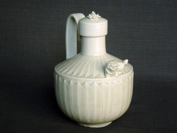 宋代定窑瓷器的发展史,详谈定窑瓷器如何区分真假及其价值
