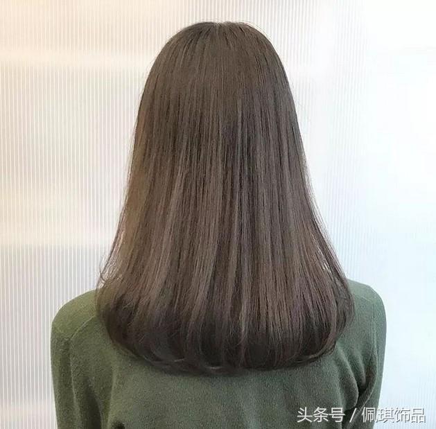 发尾卷中长发型图片 发尾卷发发型时尚百搭