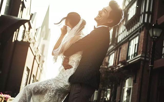 拍的婚纱免费艺术照