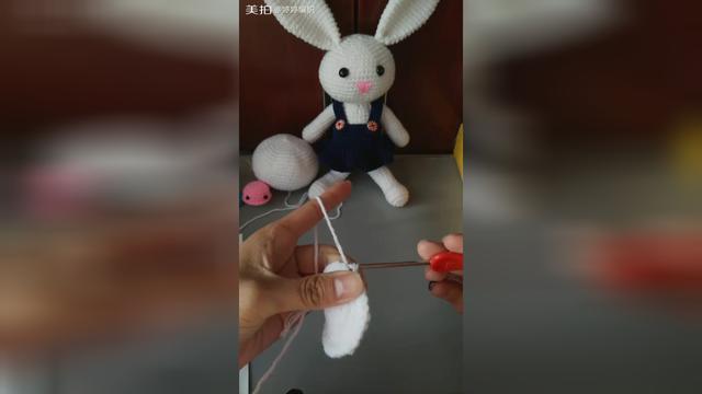 手工編織小兔子玩偶